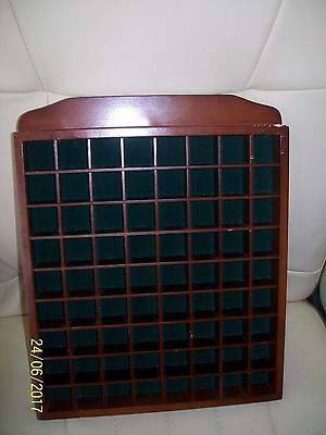 (F) A  Hanging Dark Wooden Thimbles Holder Display Case Green Felt 72 Sections