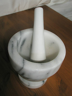 Grey & White Marble Pestle & Mortar Ground Herbs / Spices