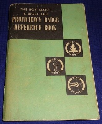 BR1768 Vtg 1957 Canadian Boy Scouts Wolf Cub Proficiency Badge Reference Book