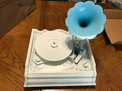 Vanity Fair Holly Hobbie Old Fashioned Phonograph Works Great in Original Box