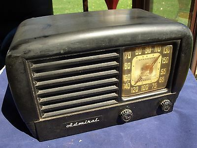 Vintage 1948 Admiral Model 7T10E-N Tube Radio - Works