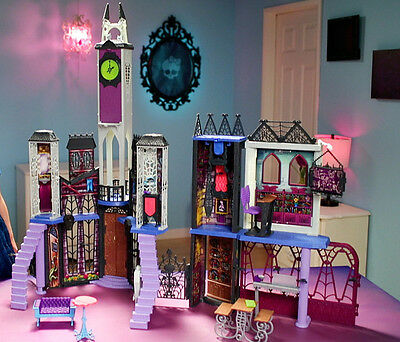 Monster High Large Deluxe Doll House School w/ Furniture Playset Ages 6-12 Yrs