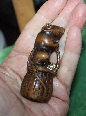 ARTIST SIGNED RAT ON BASKET CREEL Carved Wooden Netsuke Japan