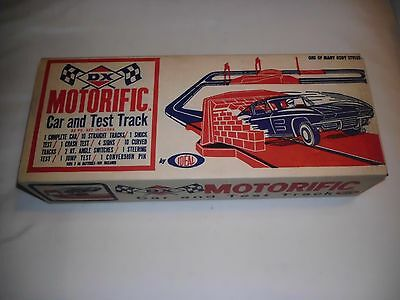 1964 DX Motorific Test Track by IDEAL (Missing Car)
