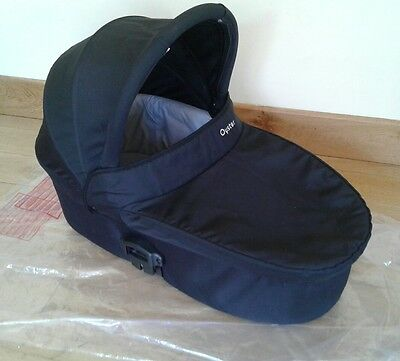 BLACK Babystyle Oyster 1 or 2 (Oyster Max upper position) carrycot & raincover
