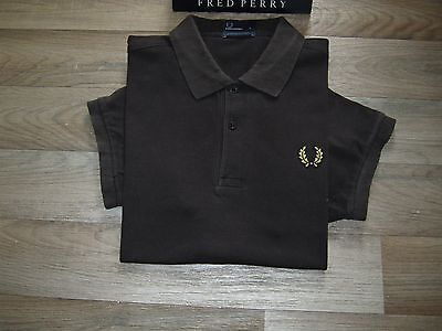 VINTAGE Fred Perry polo shirt. Checker board/Over-sized laurel crest.Specials.