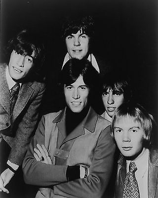 "Bee Gees 10"" x 8"" Photograph no 33"