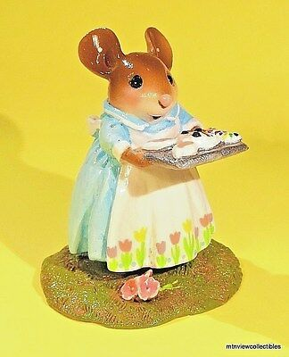 Wee Forest Folk M-570a Mom's Easter Bunny-Cake Limited 3/17-5/17