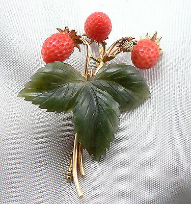 18K Yellow GOLD STRAWBERRY Pin Brooch Hand Carved CORAL Strawberries JADE Leaves