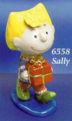 Snoopy Peanuts Sally with gift ceramic figure  Flambro - new in box !