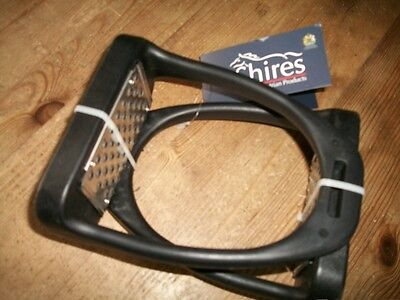 """Stirrup Irons With High Grip Metal Treads. 4.5"""""""