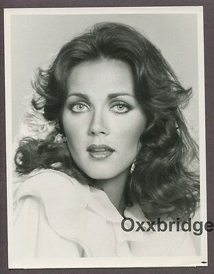 LYNDA CARTER Original 1977 CBS Wonder Woman TV Show Photo w/ CREDITS Glamorous
