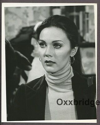 LYNDA CARTER Original 1977 CBS Wonder Woman 8 x1 0 TV Show Photo Glamour J4621