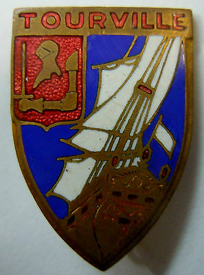 Insigne Marine CROISEUR TOURVILLE  émail Augis ORIGINAL French navy badge 2