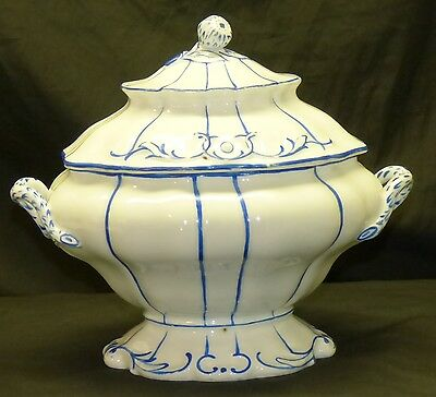 Antique 19C German Czech White & Blue Covered Porcelain Serving Dish Tureen Prag