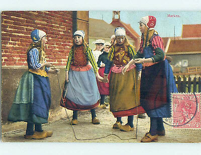 Pre-Linen foreign GIRLS SKIPPING ROPE AT MARKEN MARKERMEER IN NETHERLANDS J5225
