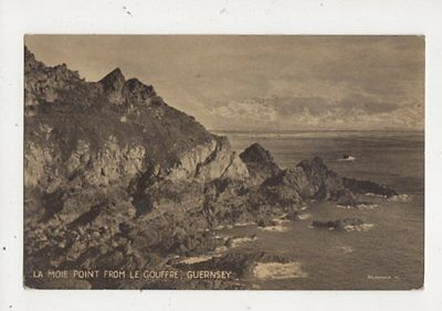 La Moie Point From Le Gouffre Guernsey Vintage Postcard 590a