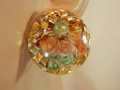 Very FAB Vintage 50's Sea Shell Confetti Lucite Screw Back Earrings Cool 321my7