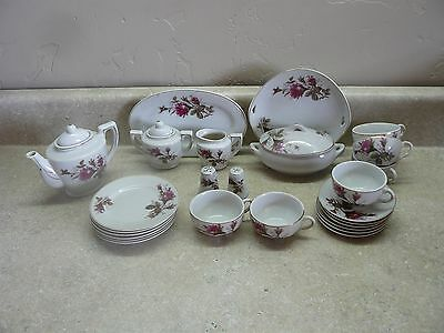 Vintage 1960's Childs Porcelain Dish Set