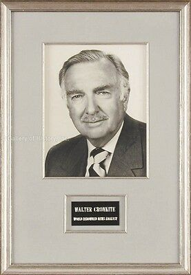 Walter Cronkite - Photograph Signed