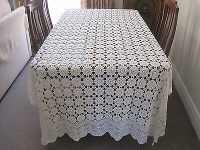 Extra Long Vintage Cream Crochet Lace Tablecloth With Raised Centre Medallions