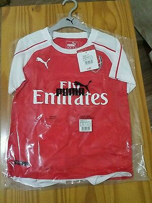 Authentic Puma Arsenal home football kit for children 5-6years  BNWT  2015-2016