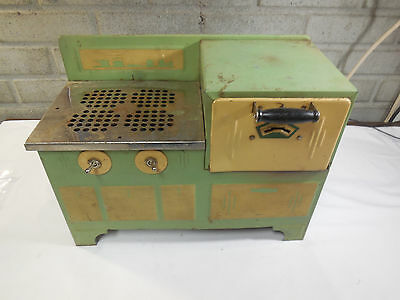 Vintage Empire Metal Ware Corp. Toy Electric Stove