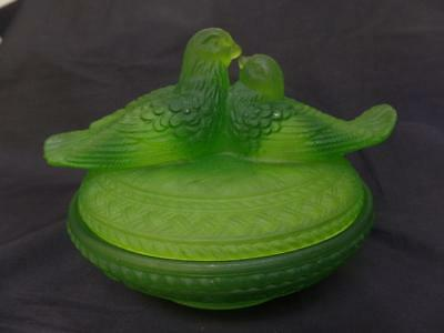 Adorable Westmoreland Glass Birds on a Basket Dish -Love Birds on Dish Nest
