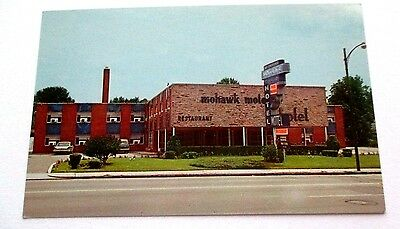 Vintage  1950s chrome postcard of Mohawk Motor Inn, Indianapolis, Indiana