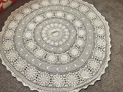 Pretty VTG HandMade Round Lace Crochet Cotton Tablecloth White Floral Design 62""