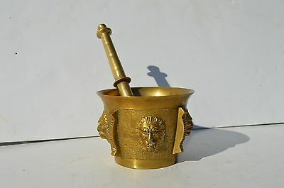 Very Ornate Antique/vintage Solid Bronze/brass Mortar And Pestle Lion Faces