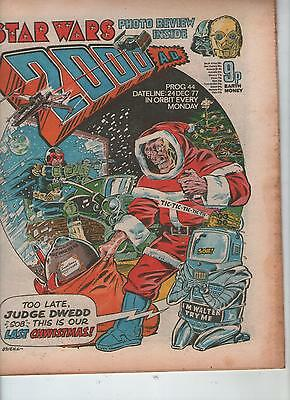 2000AD PROG. # 44 - XMAS ISSUE + STAR WARS PHOTO PREVIEW ( 24th DECEMBER 1977 )