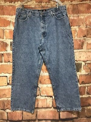 Mens IZOD Light Blue Denim Relaxed Fit Jeans 40 x 30 (Actual 38 x 29.5)