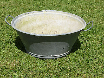 Vintage Galvanized Bath/Bowl Ideal to Cool Drinks or a Planter!