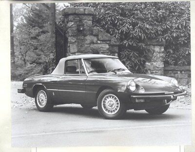 1979 Alfa Romeo Spider Veloce ORIGINAL Factory Photograph & Press Sheet wy2364