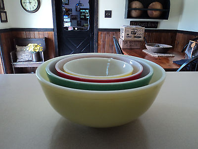 Vintage Pyrex *primary Colors*stacking /  Mixing Bowls Set *4*