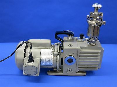 Leybold Heraeus Trivac D2A Rotary Vacuum Pump with Oil Mist Filter 120V or 230V