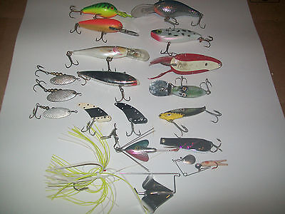 Fishing Lures Vintage Lot Of 18--Some Are New And Some Are Old