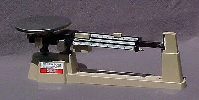 Preowned OHAUS TRIPLE BEAM Balance Scale (700 Series 2610 g Capacity)