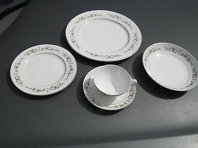 RW ROYAL WENTWORTH 6526 , DEVON Pattern FIVE ( 5 )  PIECE PLACE SETTING JAPAN