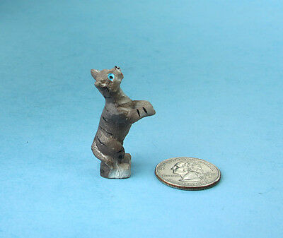 Adorable 1:12 Scale Dollhouse Miniature Standing/Begging Cat #S4042B