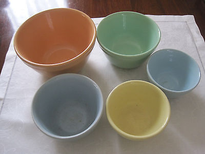 Five Vintage Fowler Ware Harlequin Mixing Bowls