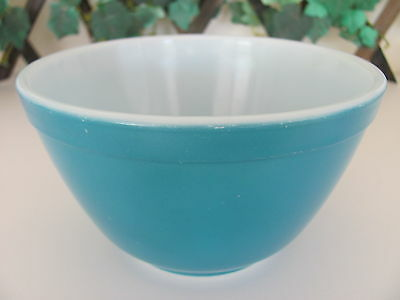 Vintage MCM Primary Blue Small Pyrex Nesting Mixing Bowl 401 1.5 pt. GREAT COND!