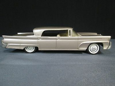 1958 Lincoln Continental (Friction) Promo Car
