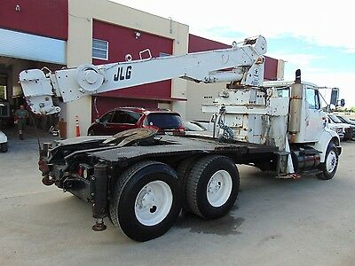 "International 8100 Tandem Axle Tractor ""crane Truck"" Outriggers - 330 Hp Navistr"
