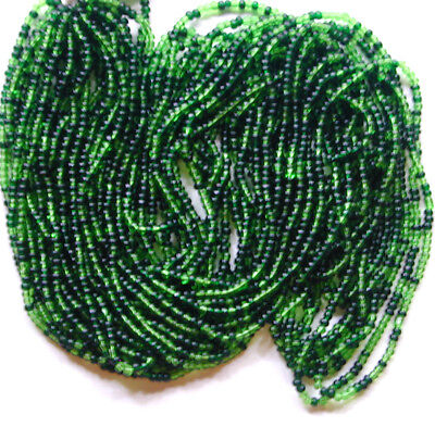 VTG PALE GREEN DELICATE GLASS SEED BEADS looks like 11//0 081117k