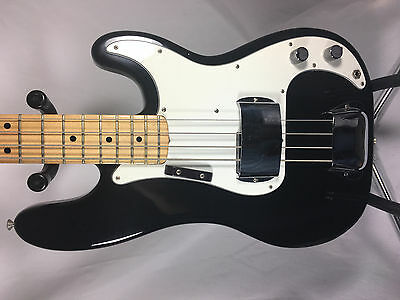 Fender Precision Bass 1974 Black with case