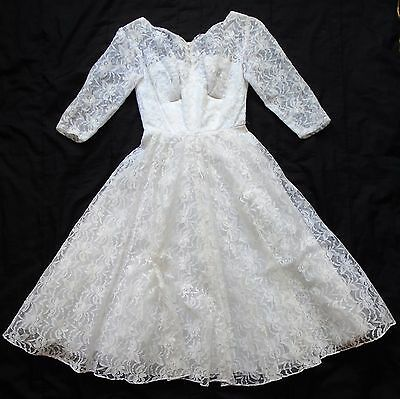Vintage 50s lace wedding dress, full skirt, petticoat layers, approx size 8/10