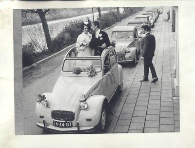 1968 ? Citroen 2CV & Wedding Party ORIGINAL Factory Photograph wy3166