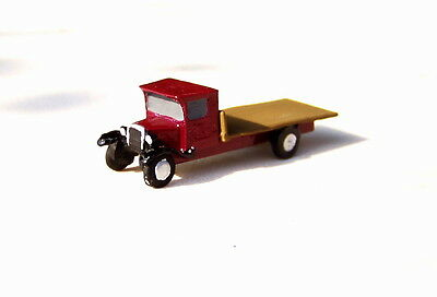 P&D Marsh N Gauge n Scale X27 Bedford Flatbed lorry (intro 1931) PAINTED